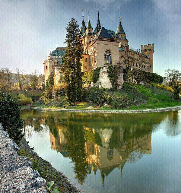 castle_in_slovakia
