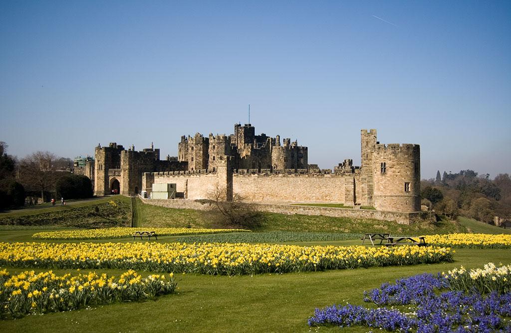 alnwick_castle_1