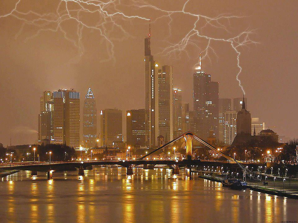 lightning_strike_germany