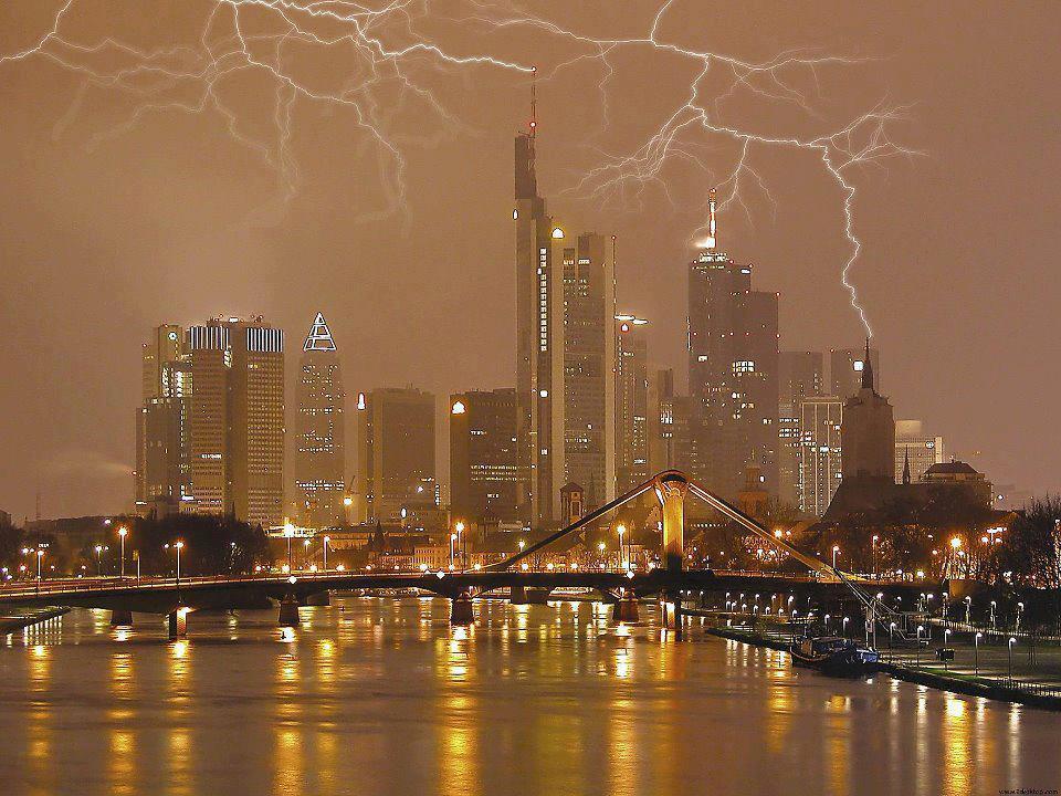lightning_strike_germany