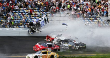 daytona_crash_1
