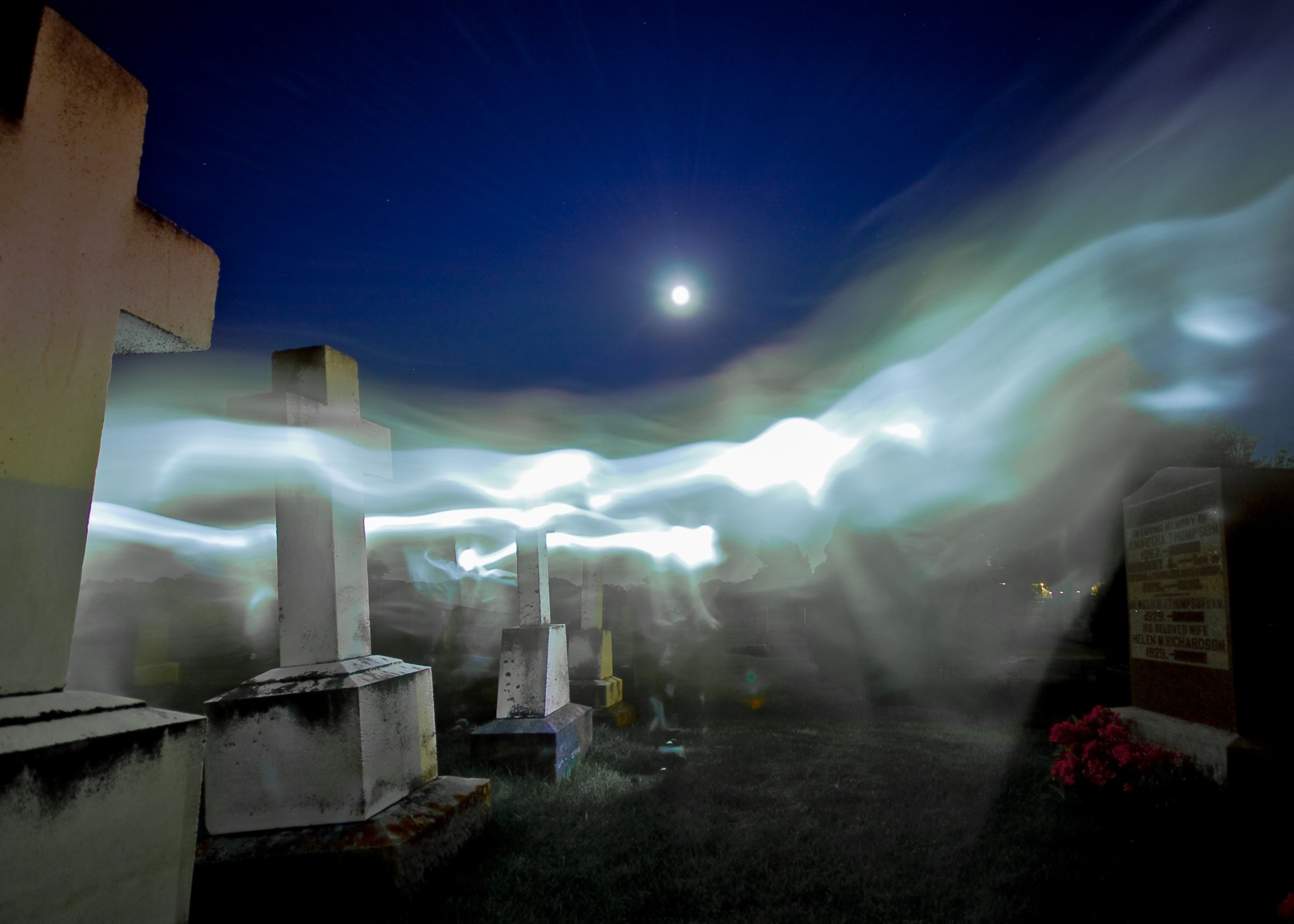 ghost_cemetary