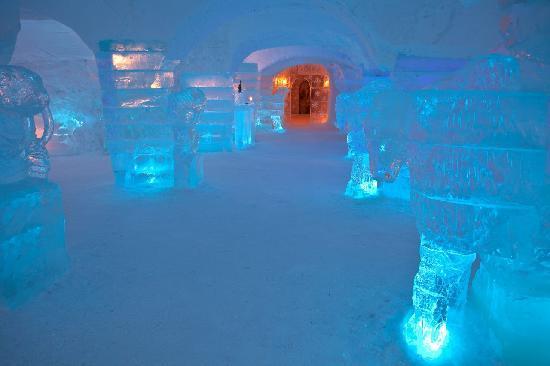 ice_hotel_3