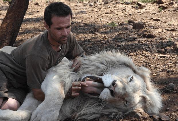 lion_whisperer_6