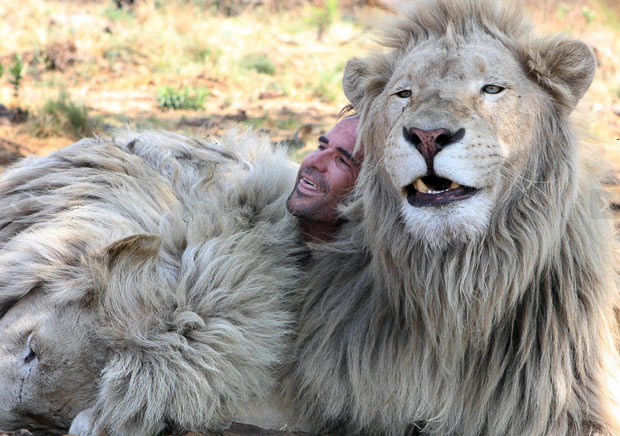 lion_whisperer_9
