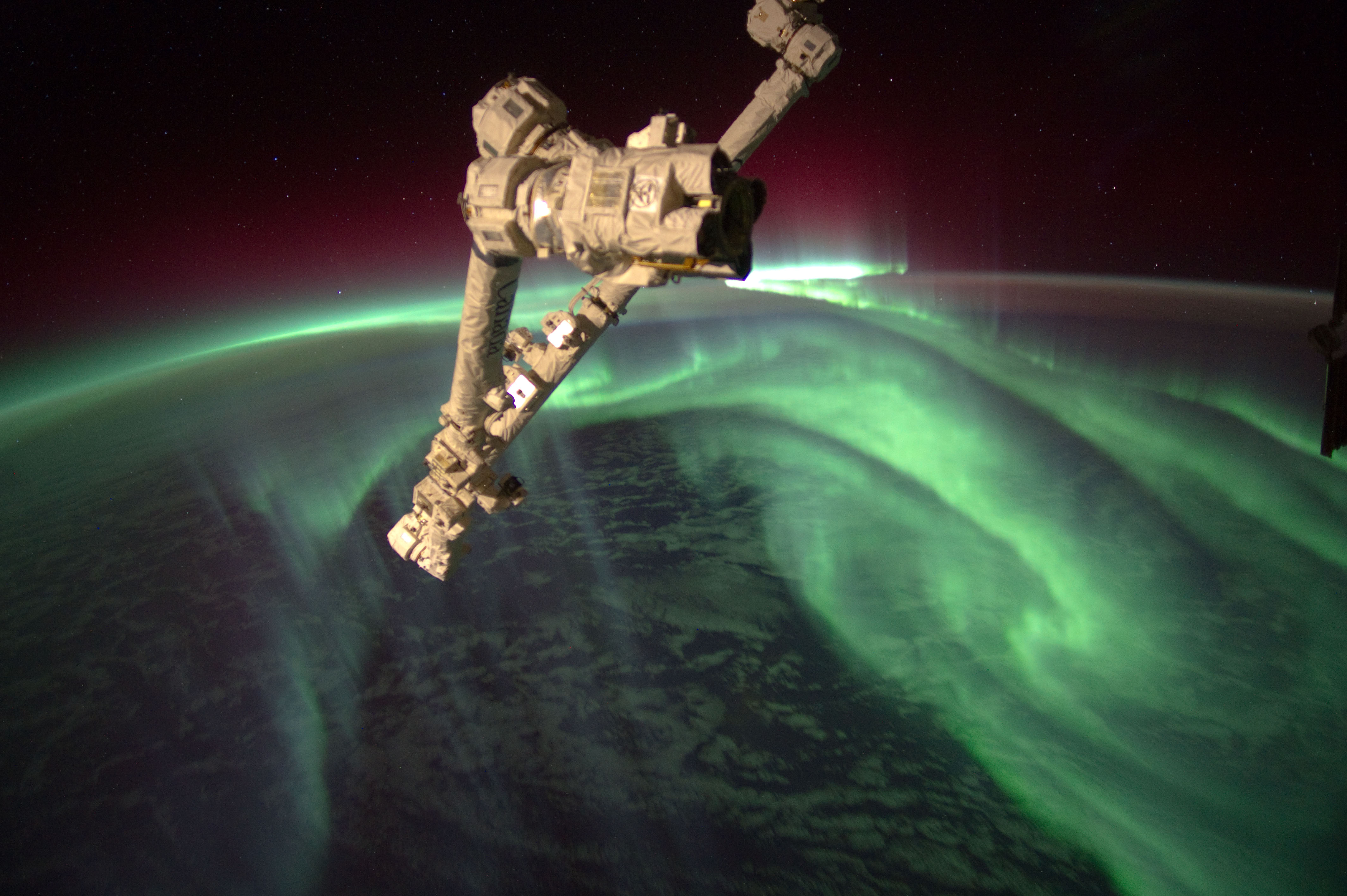 stunning_earth_from_space_aurora