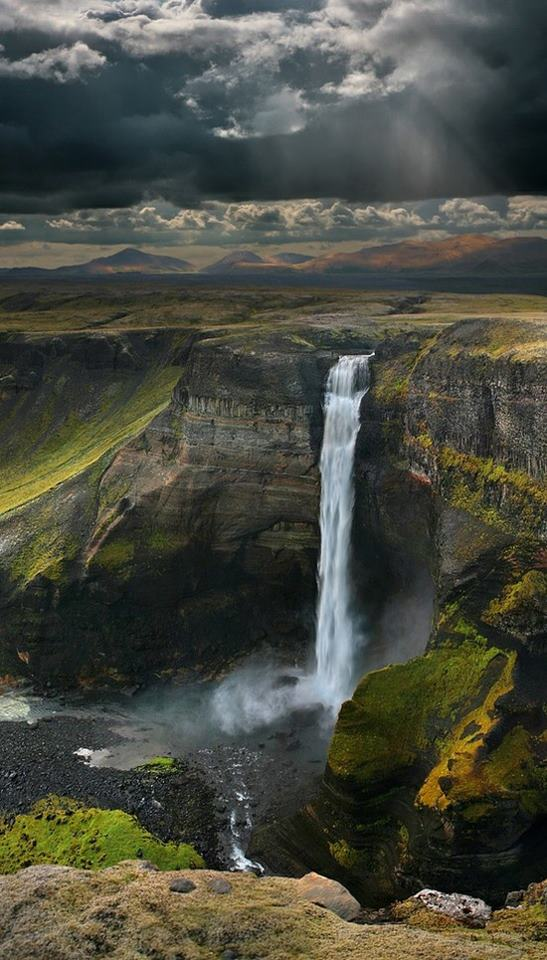 waterfall_iceland