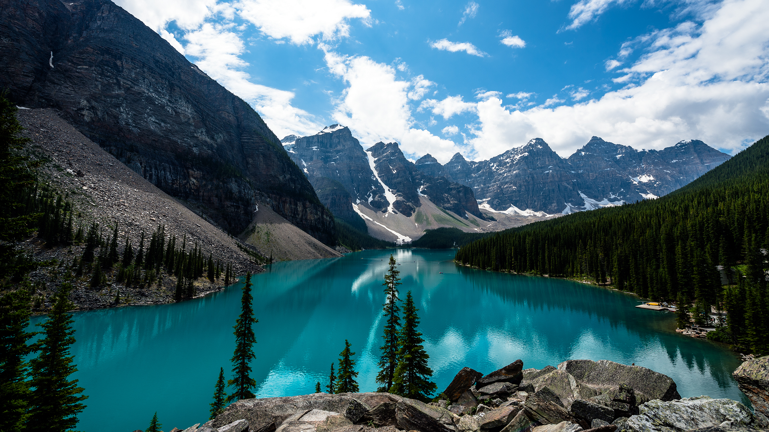 emerald_moraine_lake_2560x1440