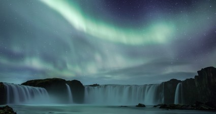 waterfall_northern_light