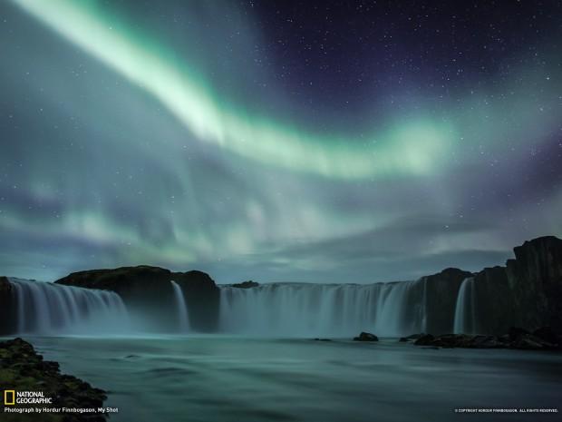 waterfall_northern_light