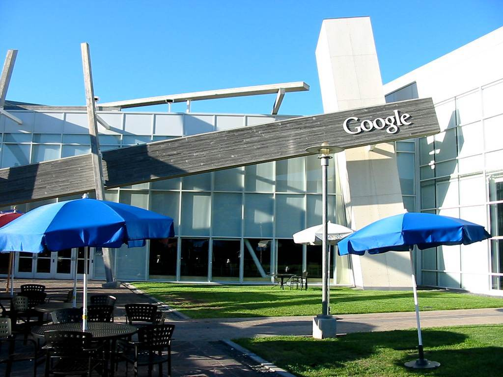 Googles-Moutain-View-Headquarters