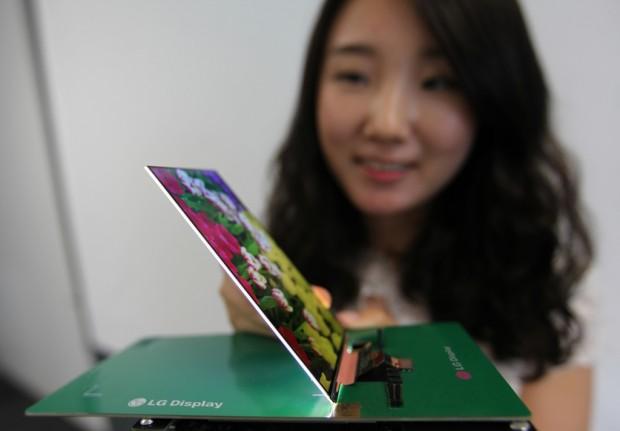 LGD-Slimmest-Full-HD-LCD-Panel_2
