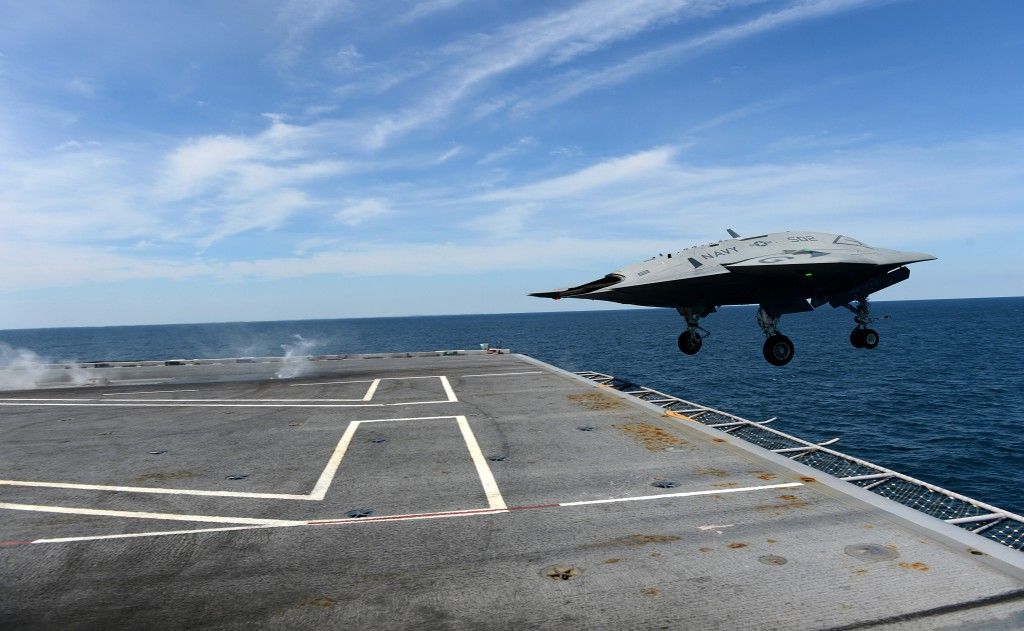 X-47B( via Navy Live )