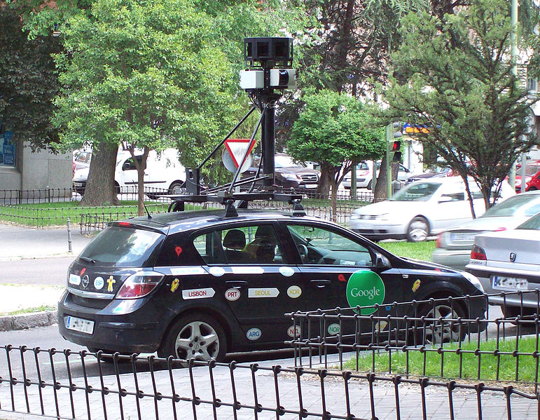 Google_Street-View_car_in_Madrid_(Spain)