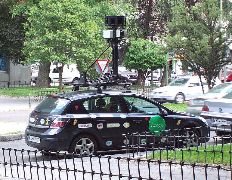 Google_Street-View_car_in_Madrid_(Spain)