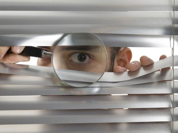 peeping