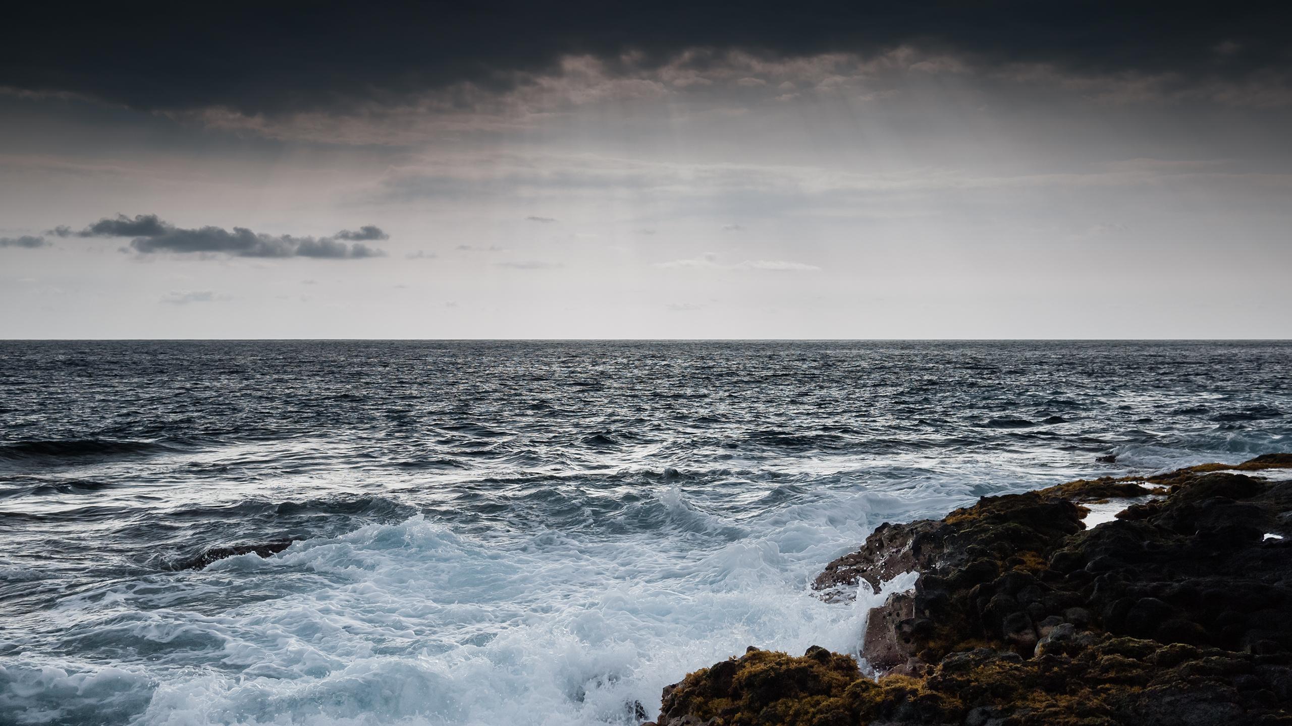 stormy_sea_wallpaper_2560x1440