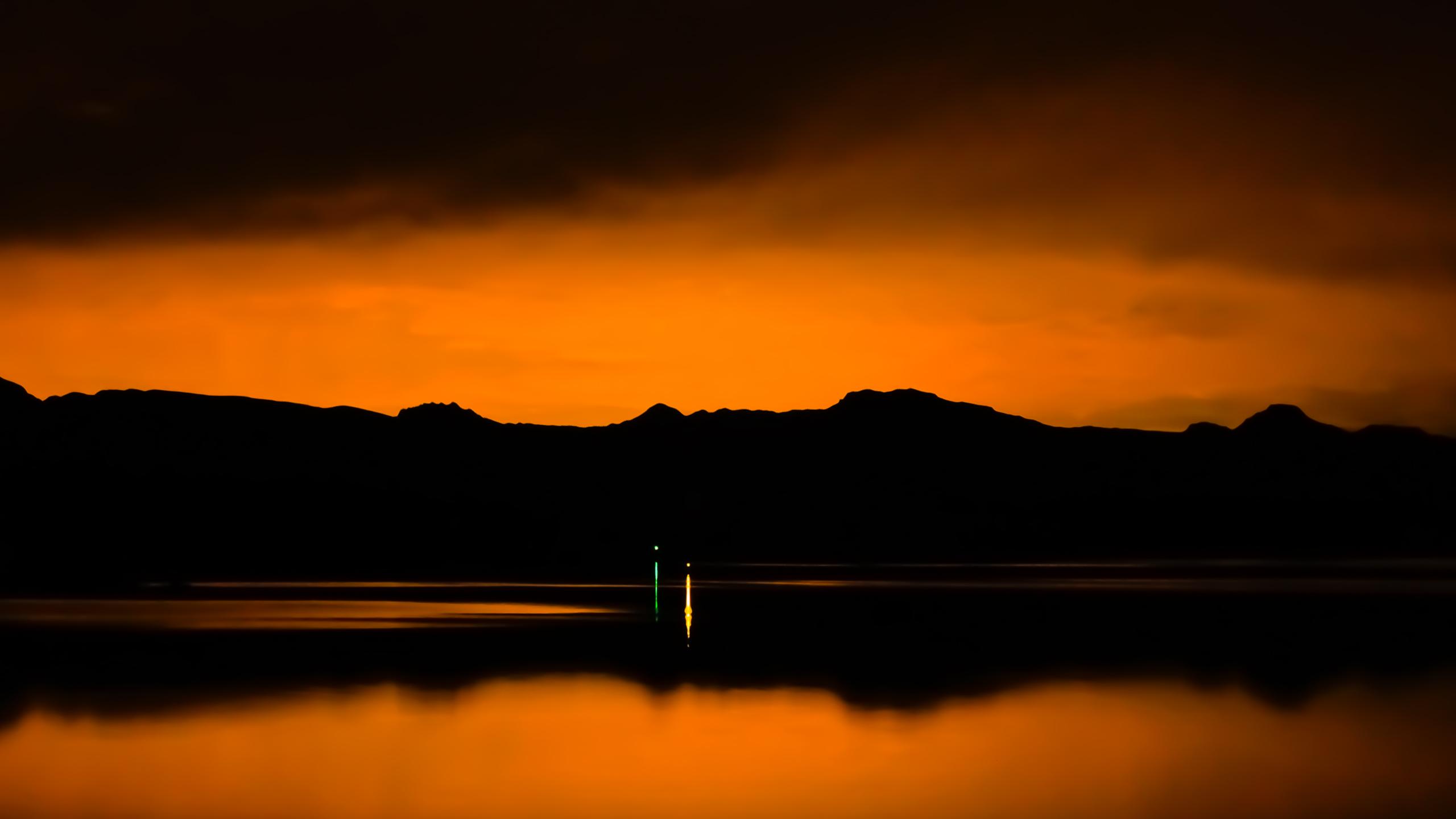 orange_night_wallpaper_2560x1440