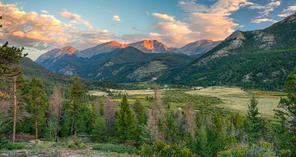 rocky_mountain_sunrise_wallpaper_2560x1440