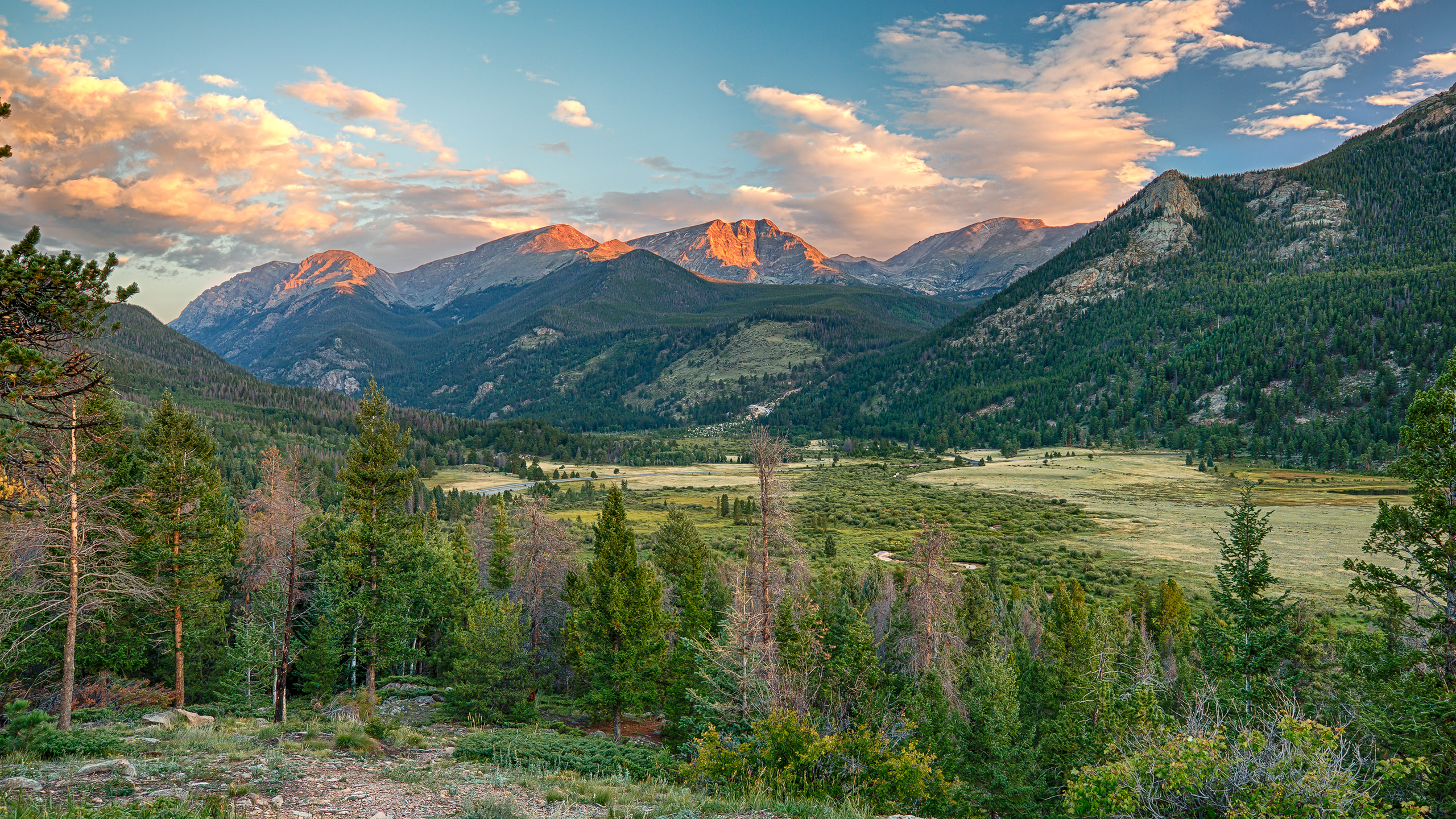 Sunrise at the Rocky Mountains [Wallpaper] | Reviews, news ...