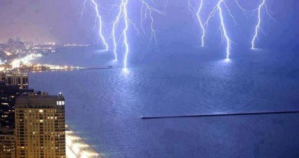 lightning_strikes_water