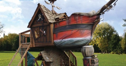 pirate_ship_playhouse