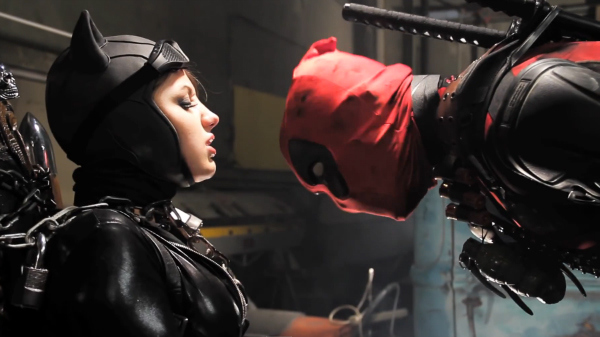 Super-Power-Beat-Down-Deadpool-vs-Batman