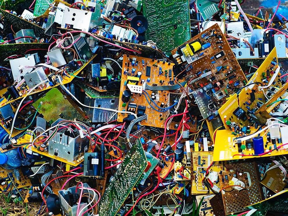 computer-junk-tahiti_73335_990x742