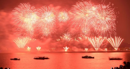 fireworks-river-china