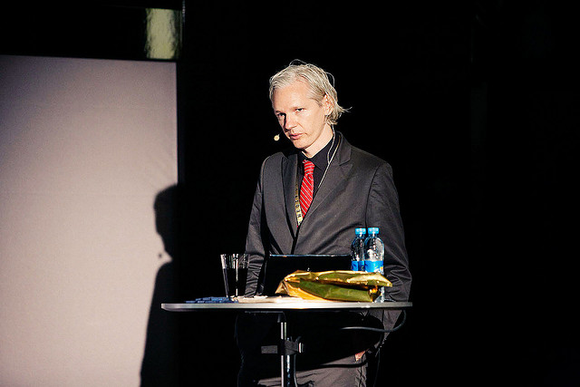 julian assange 2